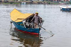 Barca (Andrés Guerrero) Tags: boat barca sarawak malaysia borneo kuching barquero malasia