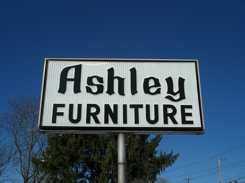 OH South Point - Ashley Furniture