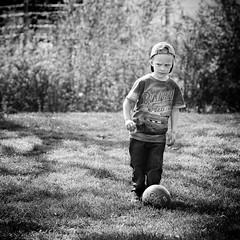 take measurements (erredi_photo) Tags: bw kids canon children child 5d 1x1 70200mm