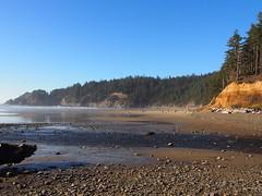 P1250076 (benguernsey) Tags: ocean cliff beach oregon pacific astoria cannonbeach oswaldwest shortsands traveloregon