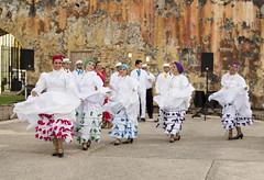 Three Kings Day (Minhl84) Tags: castle 35mm dance nikon san dancers oldsanjuan puertorico fort performance sanjuan threekingsday oldtown cristobal castillo castillosancristobal