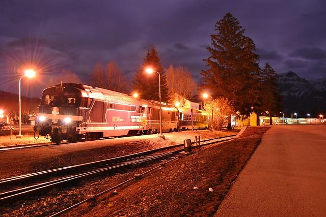 SNCF BB67367 + BB67558 + Lunéa 5798 te Chorges