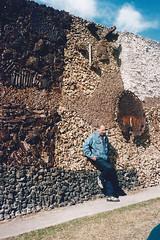 """<br /><span style=""""font-size:0.8em;"""">LEOPOLDO NOVOA ANTE EL MURAL DEL CERRO EN MONTEVIDEO  URUGUAY 1997</span> • <a style=""""font-size:0.8em;"""" href=""""http://www.flickr.com/photos/114402629@N08/13384507164/"""" target=""""_blank"""">View on Flickr</a>"""