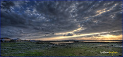 (084/14) Marea baja (Pablo Arias) Tags: españa naturaleza nature photoshop mar spain agua colours colores galicia cielo nubes atardeceres hdr smörgåsbord panorámica cambados photomatix sigma1020 olequebonito nikond300 greatmanipulart grouptripod olétusfotos goldenvisions pabloarias