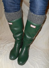GrnH302 (Lisban2009) Tags: green socks soft with hunter wellies rubberboots gummistiefel creased tourer