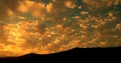 El cielo que me das... (☮ Montse;-))) Tags: nubes algodón casa regalito papá