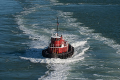 Francis Haden (OneEighteen) Tags: red port harbor marine wake ship houston nave maritime tugboat nautical schiff pilot channel  schip navire oneeighteen  houstonshipchannel  louvest
