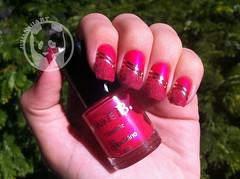 Pink Plush (Julia Bergamin) Tags: b art make purple nail silk fuchsia plush nails dourada boticário floc fitinha