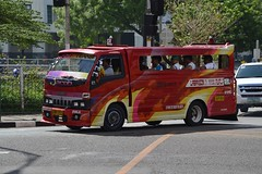 bus public cebu songthaew isuzutruck philippinescebu usouso transportlocal