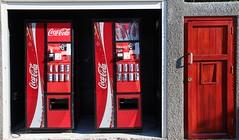 Two Coca Cola and... (Zagor77) Tags: southafrica capetown cocacola viaggiodinozze