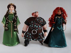 Classic King Fergus 10'' Doll with Queen Elinor (2012) and Classic Merida (2012) - Disney Store - First Look (drj1828) Tags: classic us doll king merida brave groupphoto fergus disneystore queenelinor