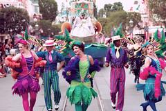 Goin' down the bayou | Soundsational (chris.alcoran) Tags: street portrait smile st canon photography dancers princess disneyland main sigma disney parade tiana flappers 70300mm walt mickeys soundsational