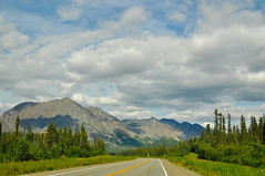 On the way to Denali National Park. AK Summer (faungg's photos) Tags: travel blue trees summer vacation sky usa mountains green nature landscape drive us scenery scenic ak 夏 旅游 风景 自然 onroad 美国 阿拉斯加 在路上 自驾游
