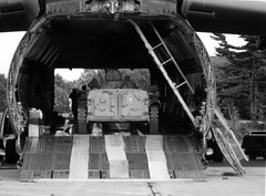 Loading a BMP onto a C-5A (rjl6955) Tags: airforcereserve lockheedmartin c5 galaxy c5a af690005 439maw militaryairliftwing westoverarb airreservebase hanscomafb airforcebase 439thmaw militaryairwing arb 433rdmaw 433maw lockheedgeorgia bmp1 lexington massachusetts 1991 hanscomairforcebase afb бмп1 боеваямашинапехоты1 airplane aircraft transport cargo
