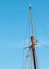 Riggin (drobdyver) Tags: mast tallship spar topsail mystic rigging drob mysticrigginriggingtopsailtallshipmastdrob