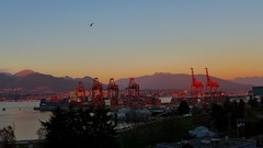 December sunset glow over the Port of Vancouver today... (HappyBarbers) Tags: sunset sky mountains vancouver port december view cranes gastown vancity portofvancouver insidevancouver