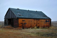 Kansas (Kuby!) Tags: car barn rural nikon december d70 decay ks el kansas baggage 2008 eastern capitan kuby eskridge kubitschek