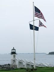 marshall point 4 (stefano.campolo) Tags: sea usa mer lighthouse america point faro see mar mare flag united maine flags marshall states  uniti leuchtturm drapeau bandiere bandiera estados units fari drapeaux unidos        stati   etats markierungsfahne    damerica  markierungsfahnen