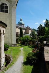 Petersfriedhof, Salzburg ([m]apugrafie) Tags: salzburg sterreich xf1855mmf284rlmois fujifilmxe2