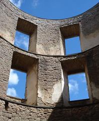 windows (helena.e) Tags: helenae öland slott slottsruin borgholm himmel sky moln cloud blå vit blue white sommar