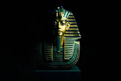 TUTANKHAMUN I (maxsussek) Tags: egypt pharaoh 2017 sussek maxsussek people friends softbox photo foto fotograf photograph photographer photography dslr slr statue bust old vintage ancient king