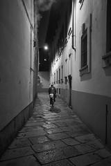Be prudent (MaCri!) Tags: fujifilmxpro1 xf18mmf2r primelenses bw blackandwhite streetphotography people citylife milano legend strict bagnera