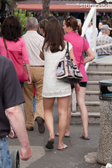 PROMENADA-2 (leremita) Tags: shoes women nylons jeans walk short sun feet soles toes dirty hair candid sprigg