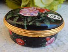 Halcyon Days English Enamels Trinket Box 2003 Flowers A Year To Remember Gold (Donna's Collectables) Tags: halcyon days english enamels trinket box 2003 flowers a year to remember gold