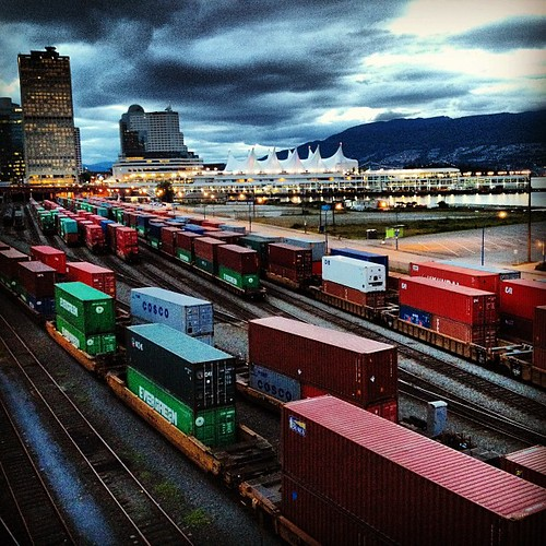 We really love where we live but man, some nights the continuous train noise/activity can be rather excessive! #trains #gastown #vancouver #gastownliving #portofvancouer