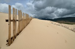 Dunas de Tarifa (Testarossa-photo.es) Tags: sea beach nature fence landscape mar sand dune playa arena duna valla barrera empalizada