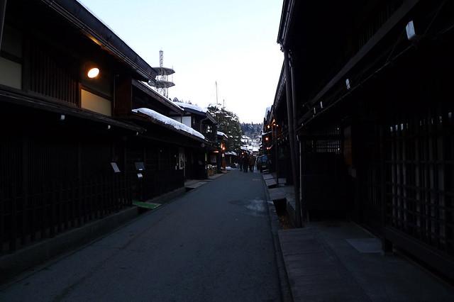 夜の古い町並み「三之町」を散策する|上三之町(古い町並み)