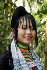 Girl of the BASHA  village - Basha style miao (Rita Willaert) Tags: china handicraft embroidery tribes guizhou minorities southwestchina guizhouprovince bashavillage bashastylemiao