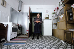 Srebrenica - Bosnia (Michela Comisso Elliot) Tags: genocide bosnian srebrenica bosniaandherzegovina republikasrpska potocari ratkomladic bosnianmuslims tmg4refugeecamp 11july1995 11luglio1995 hoteldomavia