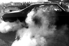 Burn out (El Cheech) Tags: classic cars car classiccar smoke hotrod rockabilly burnout carshow greaser supremes peelout mooneyes xmascarshow