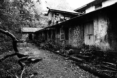 DSC_000-266 (Praveen Ramavath) Tags: old blackandwhite house abandoned spooky ghostly