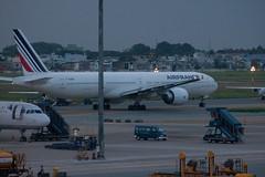 B777-300ER Air France (F-GZNI) à SGN, décollage vers PNH (AF144) - 1 (Bertrand Duperrin) Tags: planes boeing avion airfrance sgn b777 b777300er af144 fgzni