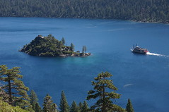 Fannette Island, a paddle boat and Emerald Bay (Hazboy) Tags: california park trees vacation usa lake west america island boot golden bay boat us state nevada tahoe lac sierra september western parc emerald isla fannette 2013 hazboy hazboy1