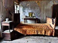 das alte bauernhaus (photobeam ( Better grays through research  )) Tags: old urban house explorer olympus das farmer alte bauernhaus xz2
