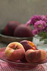 Saturn Peaches - Prunus persica var. platycarpa (suzanne~) Tags: summer stilllife food painterly fruit indoors peaches tabletop textured donutpeach saturnpeach prunuspersicavarplatycarpa