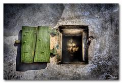 Zombie  la f'ntre (Stphane Perret) Tags: windows zombie fear morbid horror nightmare hdr horreur livingdead