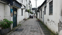 Alley leading to Master-of-Nets Garden