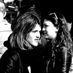 Ragazze del Colosseo, Roma (pom.angers) Tags: panasonicdmctz30 february 2017 rome roma lazio italia italy europeanunion girl woman colosseo coliseum 100