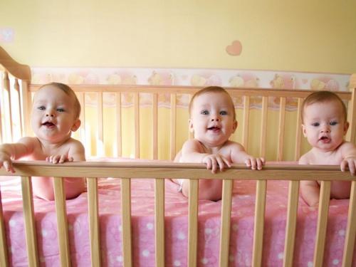 Bebês trigêmeos