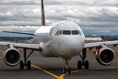 N842VA Virgin America A320-214 taxiing at KPDX (GeorgeM757) Tags: airplane airport aircraft airbus a320 kpdx portlandinternational virginamerica alltypesoftransport n842va georgem757sphotostream