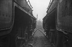 End of the line, Trafford Park (Nick_Fisher) Tags: park railroad black de manchester 5 engine eisenbahn railway steam locomotive 1968 trafford vapor chemin fer dampflok ferrocarril dampf chemindefer vapeur stanier vaporina