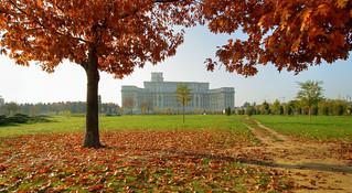 Le Palais du parlement de Roumanie («Palatul Parlamentului»)