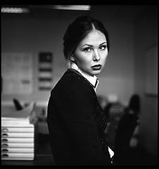 (Osborne Cox) Tags: portrait bw woman 120 6x6 film home female rolleiflex mediumformat flickr naturallight ilfordhp5 28 planar 80mm