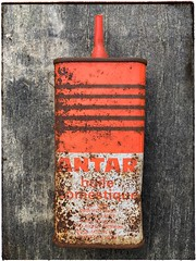 Oil can graphic (Fierceham) Tags: vintage rust orange graphicdesign graphic huile can oil