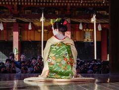 Facing the cameras (Tim Ravenscroft) Tags: maiko geisha yasaka shrine setsubun kyoto japan