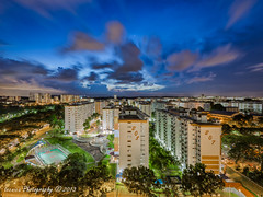 Viva La Vista (t3cnica) Tags: city blue sunset urban architecture stars landscapes twilight singapore long exposure mo hour vista ang hdb teck blending kio ghee